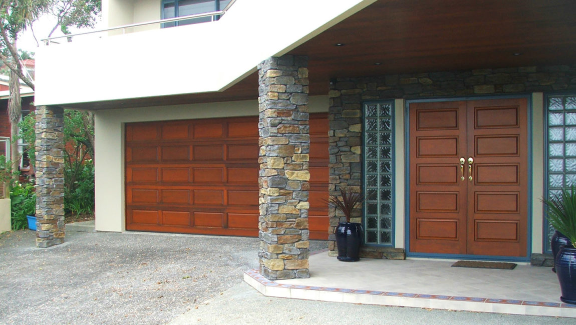 Colonial Schist Stone Profile in a Custom Queenstown Grey, Tarras and Central Brown Blend Colouring