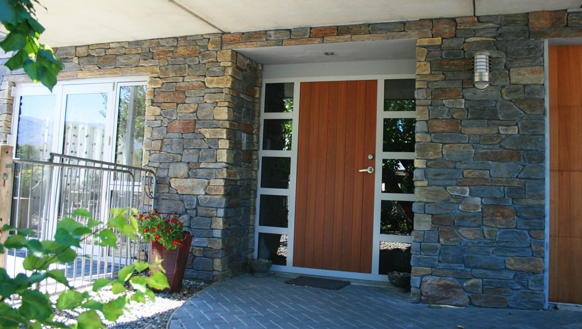 Colonial Schist Stone Profile in Queenstown Grey and Central Brown Blend Colouring